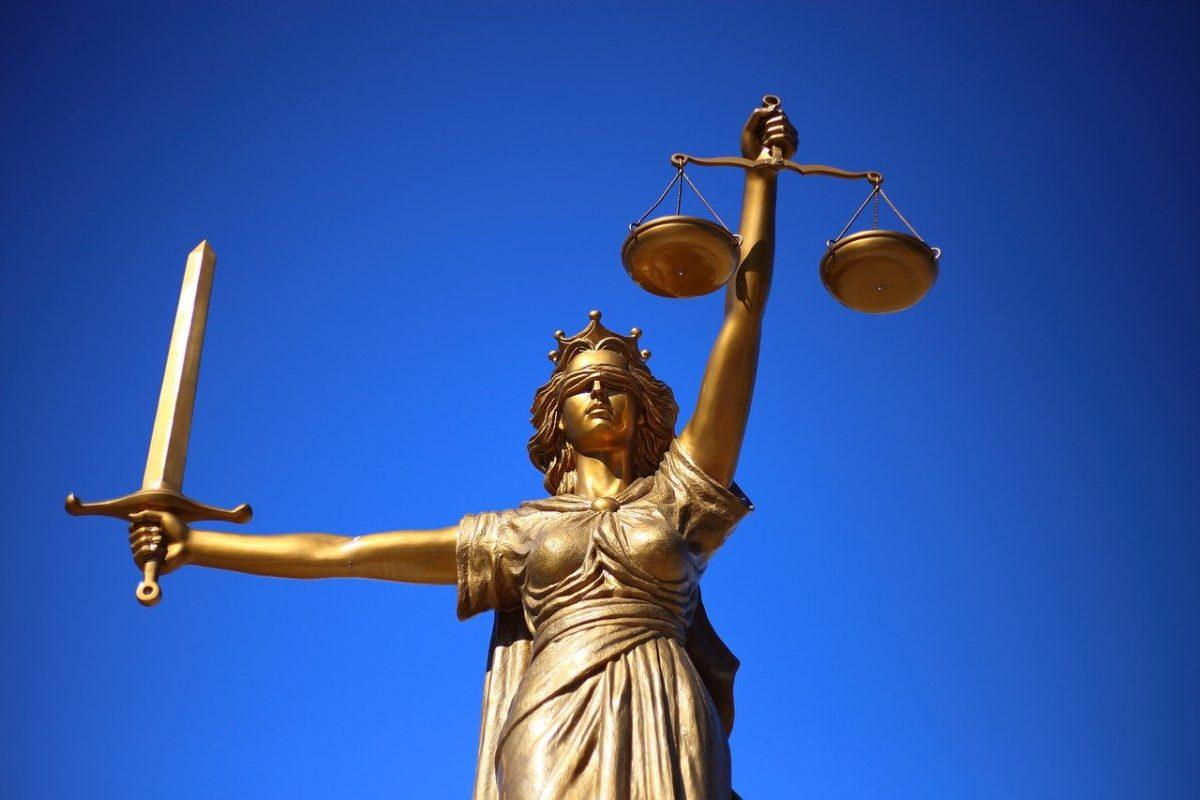 W czym może nam wesprzeć radca prawny? W których kwestiach i w jakich kompetencjach prawa pomoże nam radca prawny?